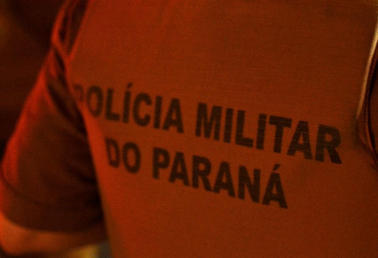 Mulher é detida suspeita de matar cachorro a paulada em Maringá