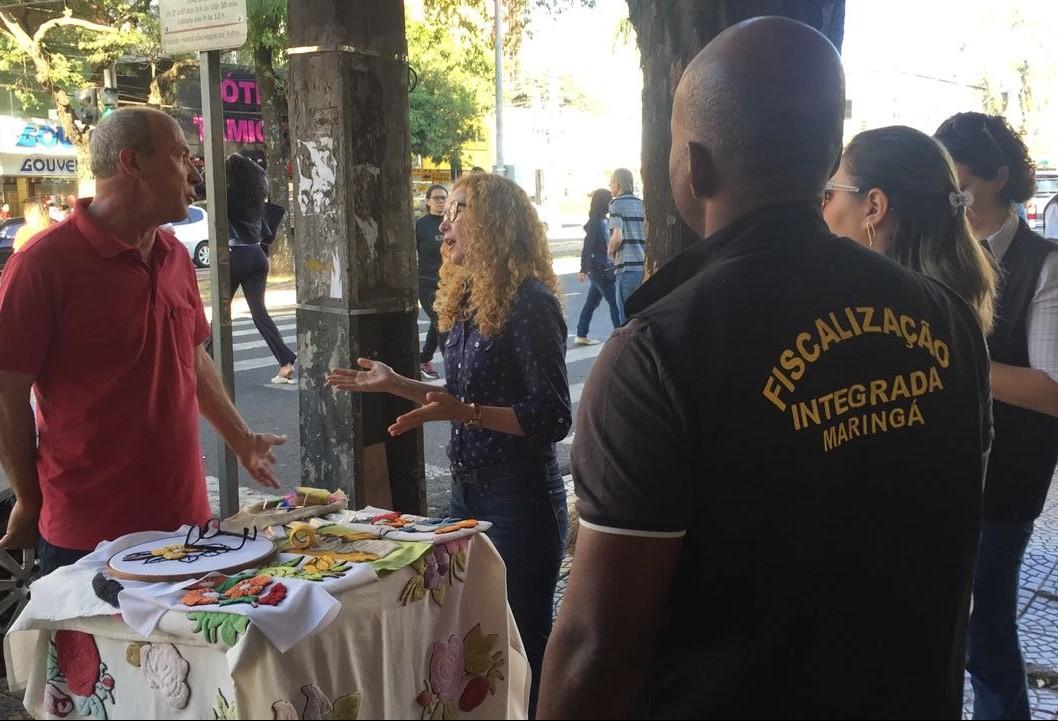 Força tarefa começa a orientar comércio ambulante em Maringá