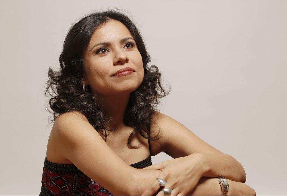 Carola Saavedra vem a Maringá