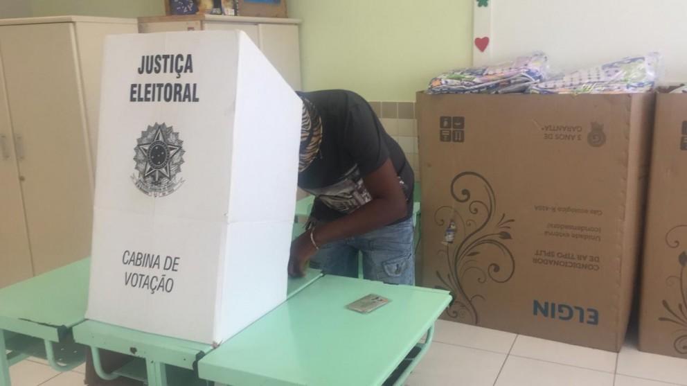 Comunidade escolar elege 112 diretores