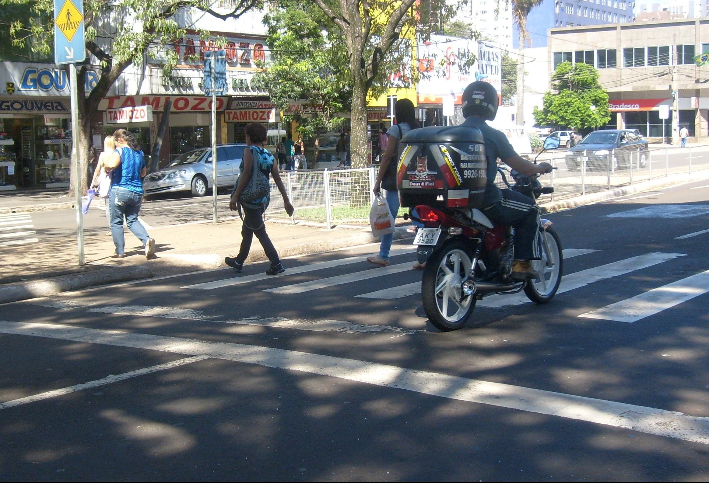 Quase 75% das mortes no trânsito são de pedestres e motociclistas