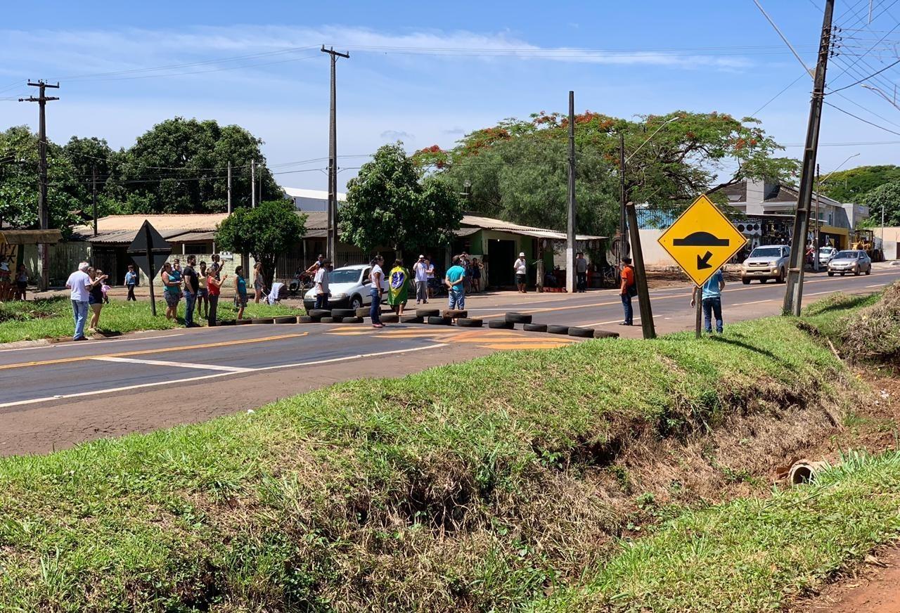 Manifestação bloqueia rodovia entre Maringá e Campo Mourão neste sábado (3)