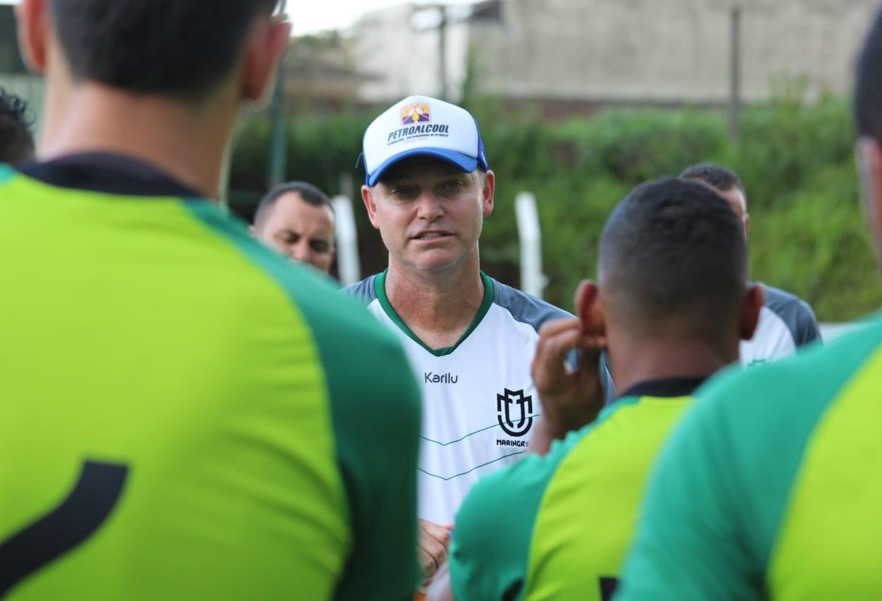 Novo técnico inicia trabalhos no Maringá FC