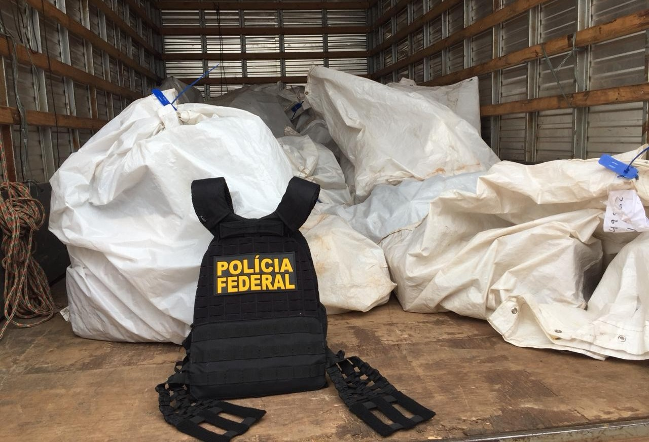 Dono de distribuidora de tabaco é preso em flagrante pela PF