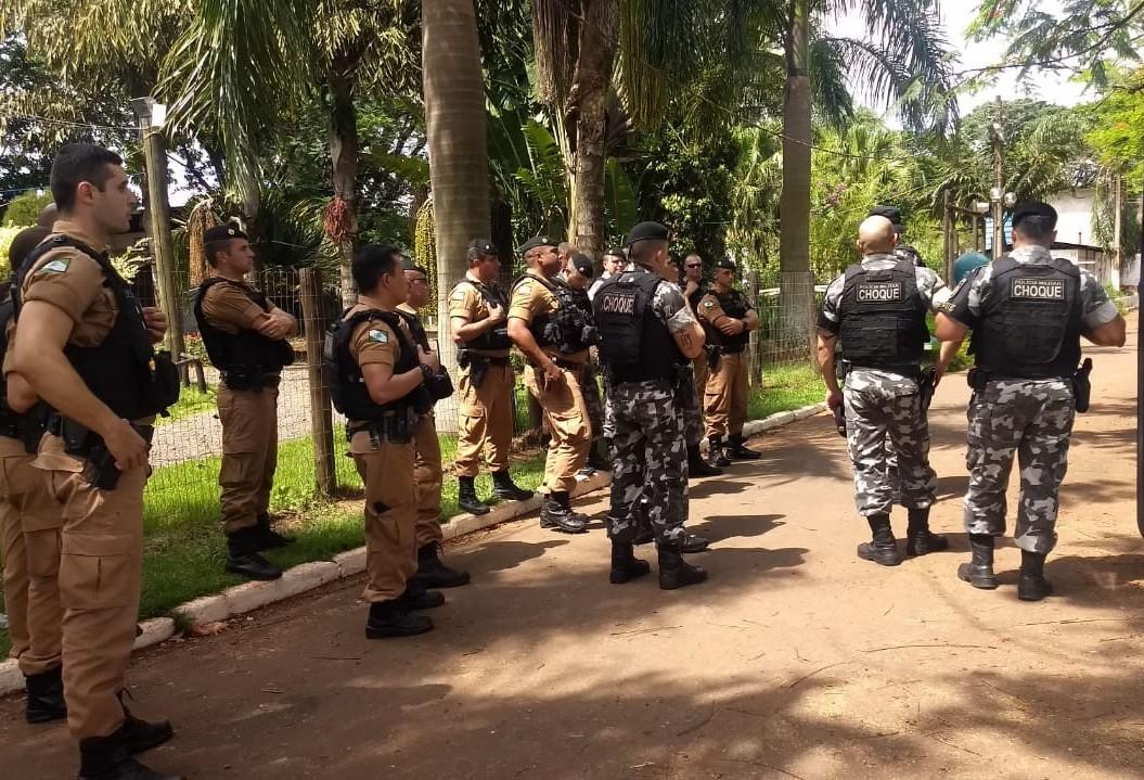 Policiais militares fazem treinamento sobre abordagem policial