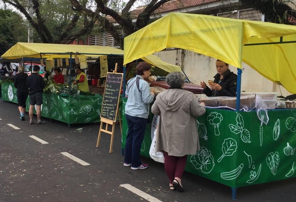 Domingo: dia de feira de produtos orgânicos em Maringá