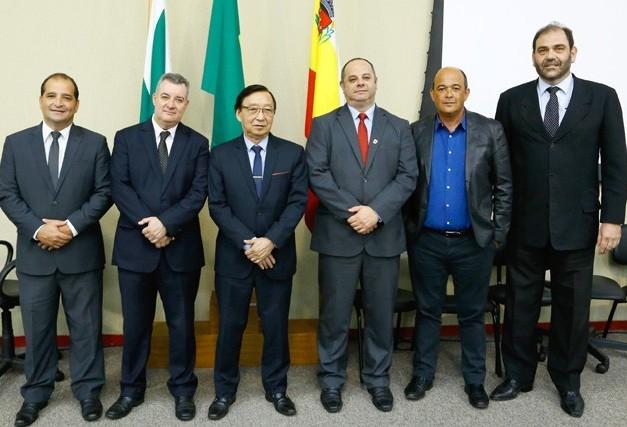 Com uma alteração, Mesa Executiva da Câmara de Maringá é reeleita