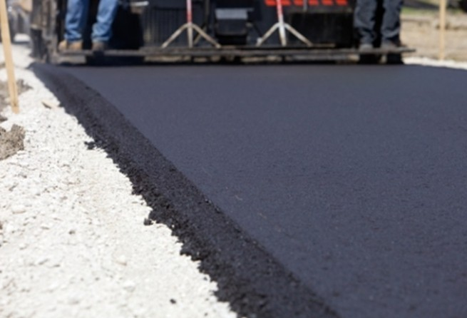 Asfalto de borracha em estradas está aumentando lucro de empresas