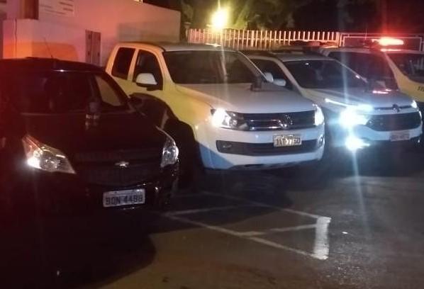 PM prende quadrilha suspeita de furtar e adulterar veículos
