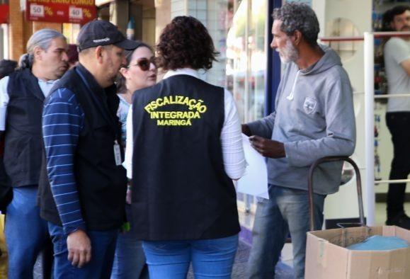 Fiscalização recolhe produtos de seis ambulantes irregulares