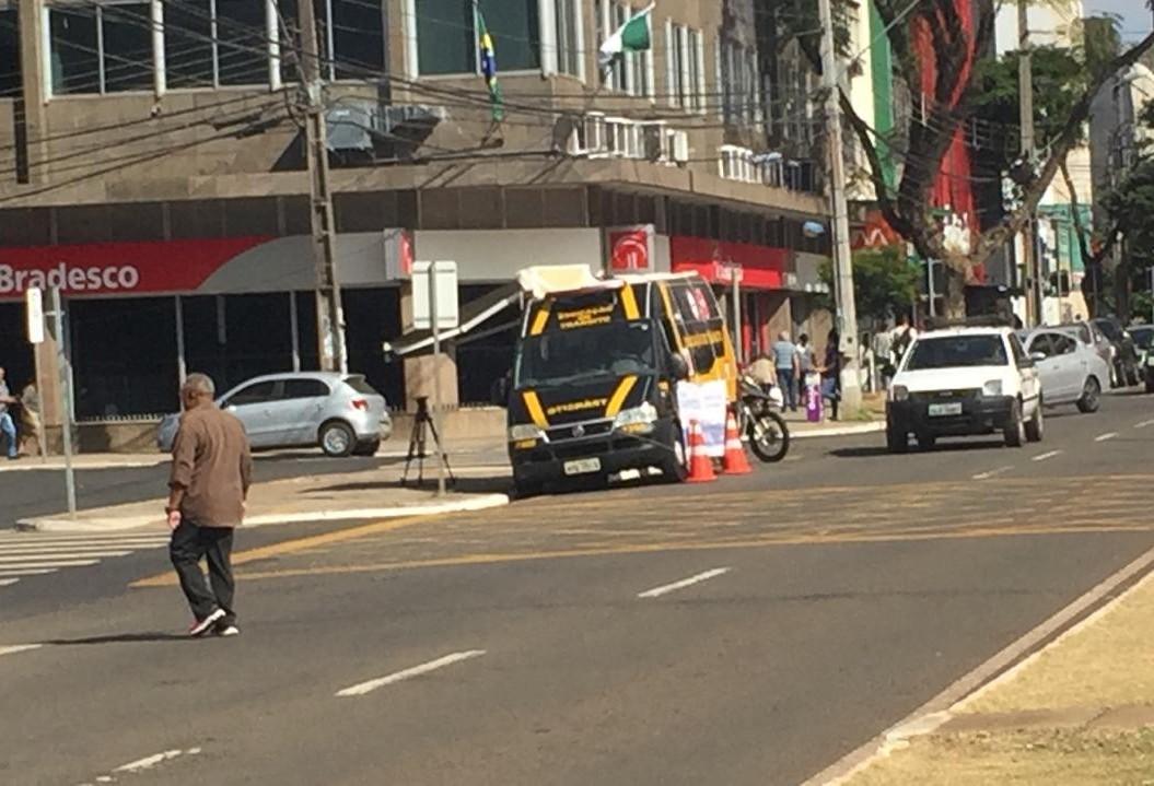 Dos nove pedestres que morreram atropelados em 2018 em Maringá, só um estava na faixa