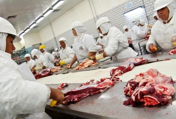 Ministério da Agricultura centraliza fiscalização de frigoríficos