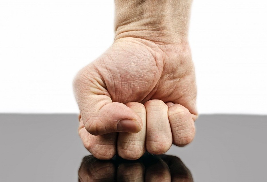 Ciúme possessivo é uma doença e precisa de tratamento
