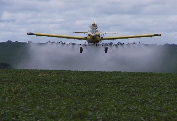 Lei que proíbe pulverização aérea em Cianorte prevê multa de R$ 30 mil
