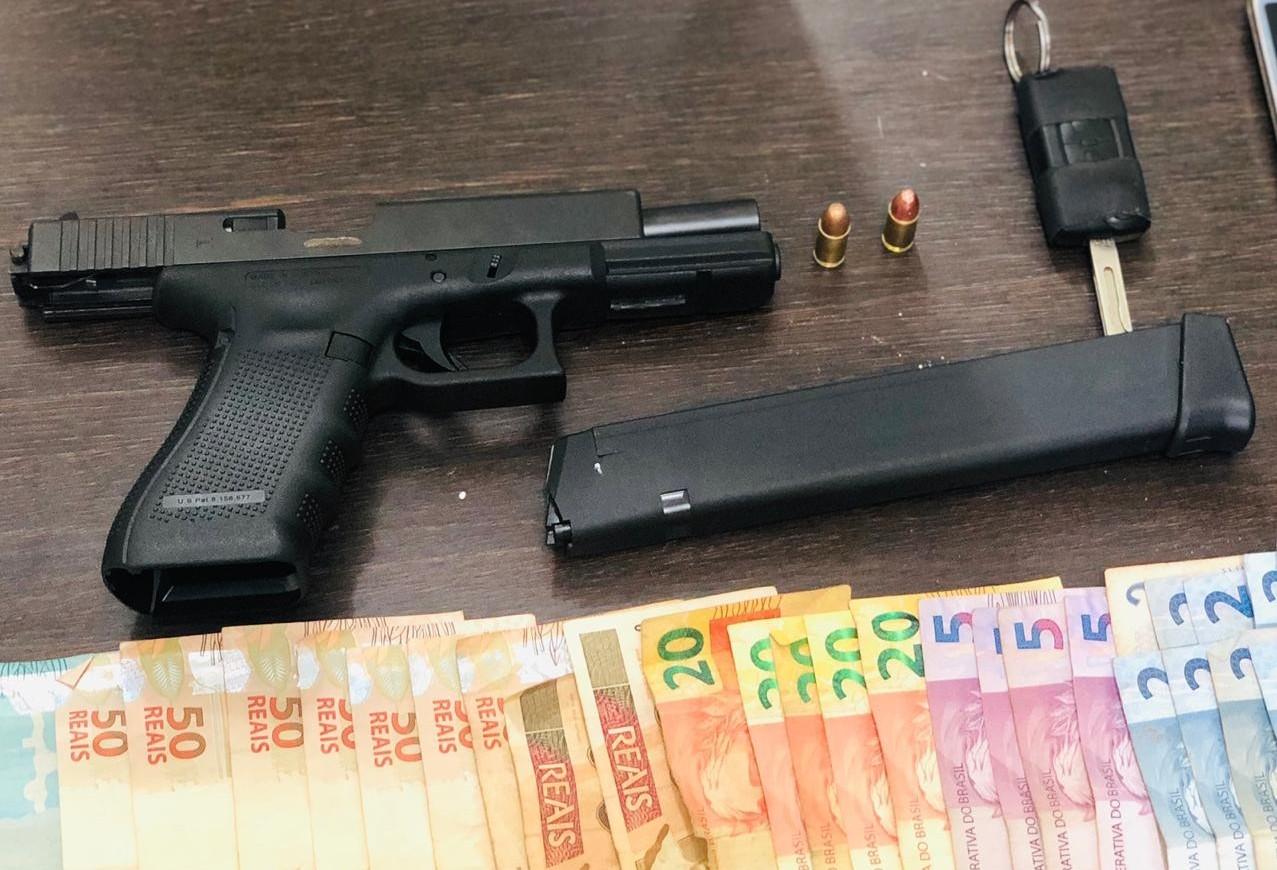 Cinco pessoas são presas com arma, munição e droga em Maringá