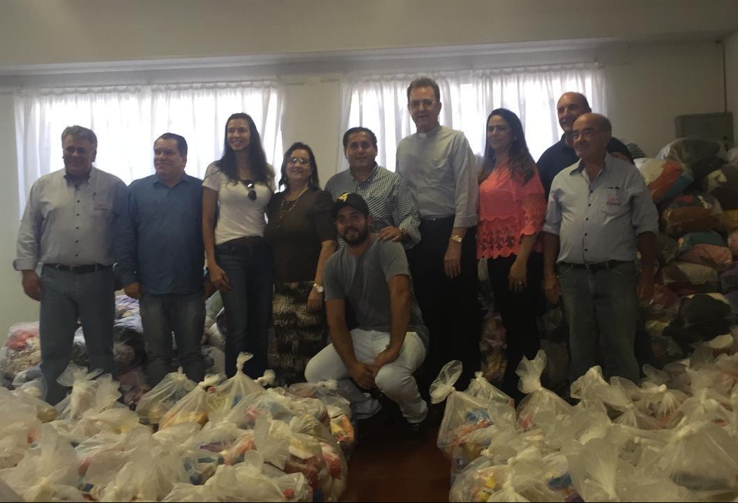 Quase 30 entidades recebem donativos arrecadados no primeiro dia da Expoingá