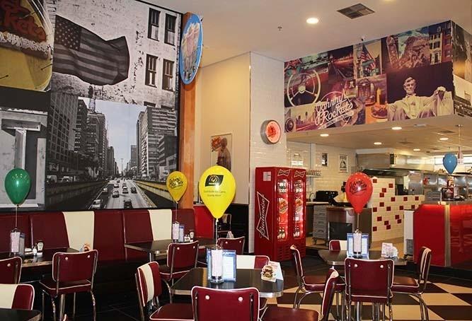 Rede americana de restaurantes abre vagas em Maringá