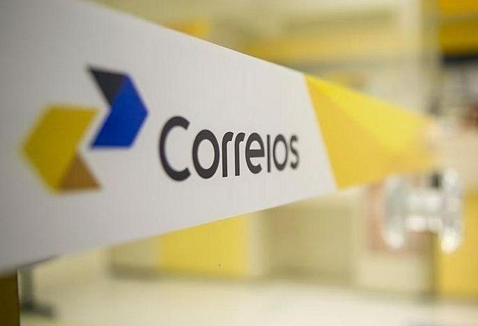Trabalhadores dos Correios decidem se entram em greve nesta quarta-feira (31)