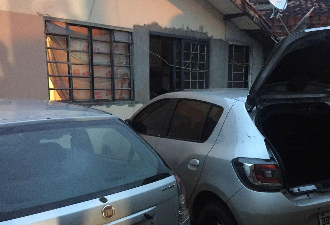 Três pessoas são presas por furto de veículos