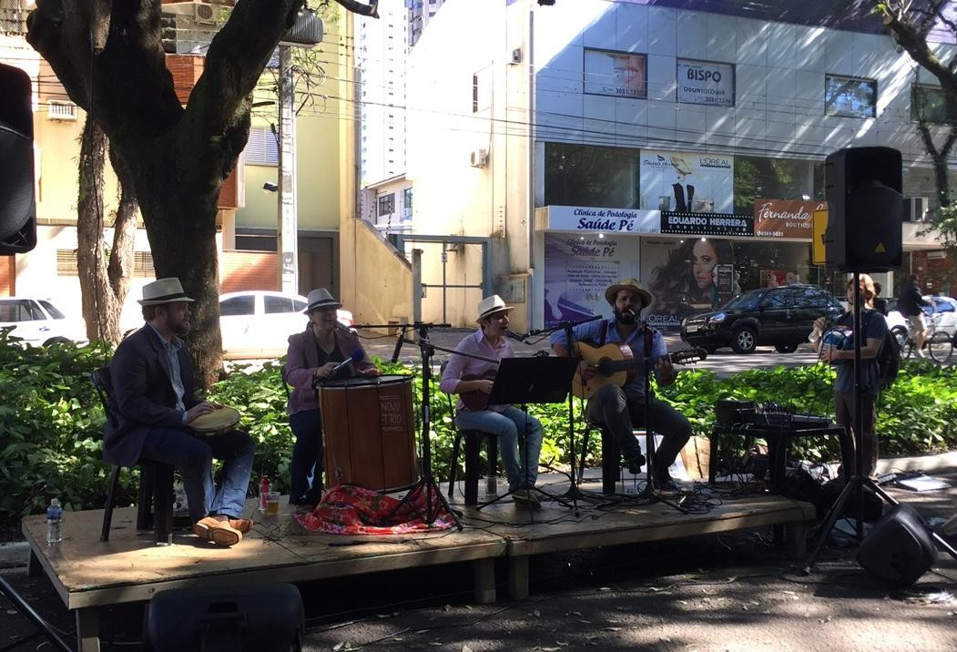 Música ecoa no Parque do Ingá