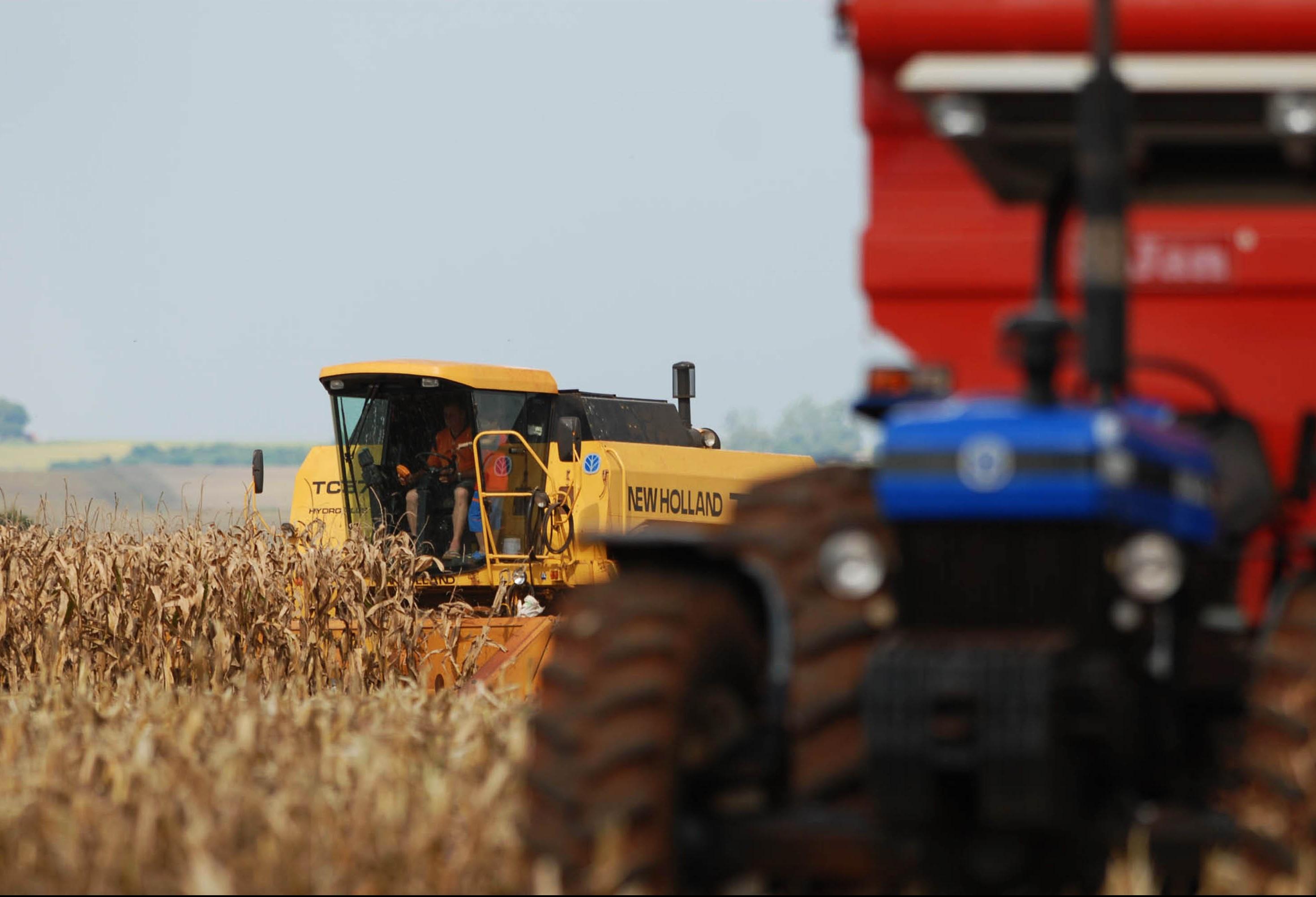 Aumento da demanda por crédito rural a juros controlados preocupa bancos e o governo