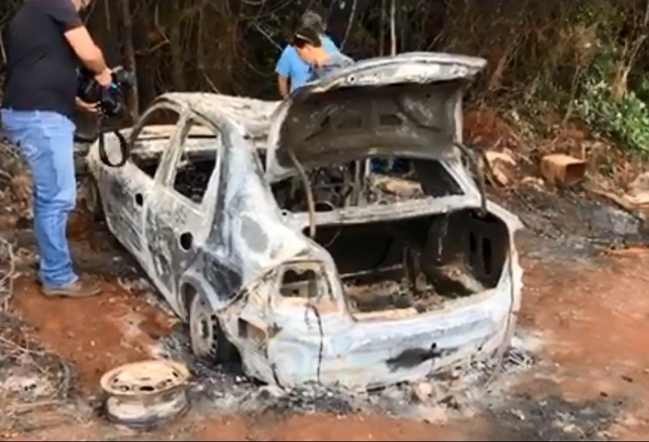 Veículo é encontrado queimado com corpo dentro