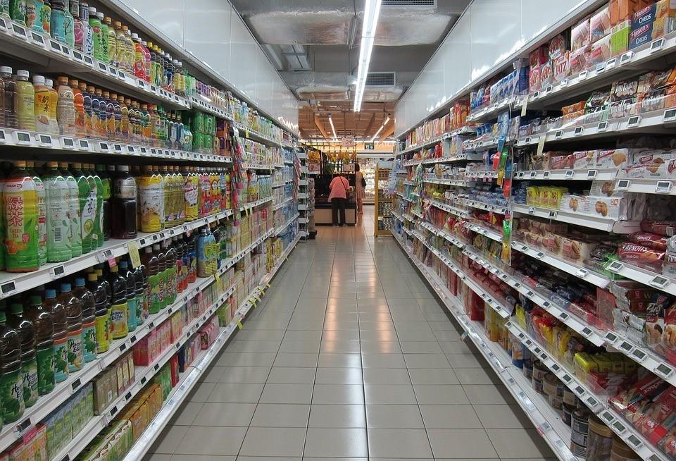 Prefeitura segue sem multar supermercados que abrem aos domingos