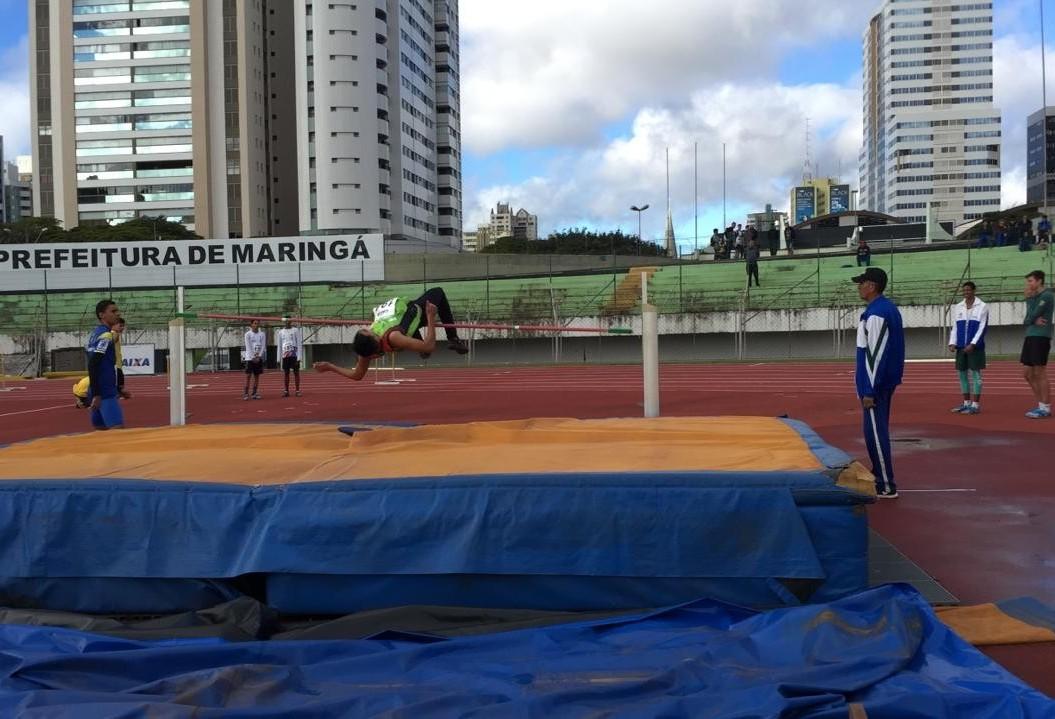 Quase 300 atletas disputam Paranaense de Atletismo em Maringá