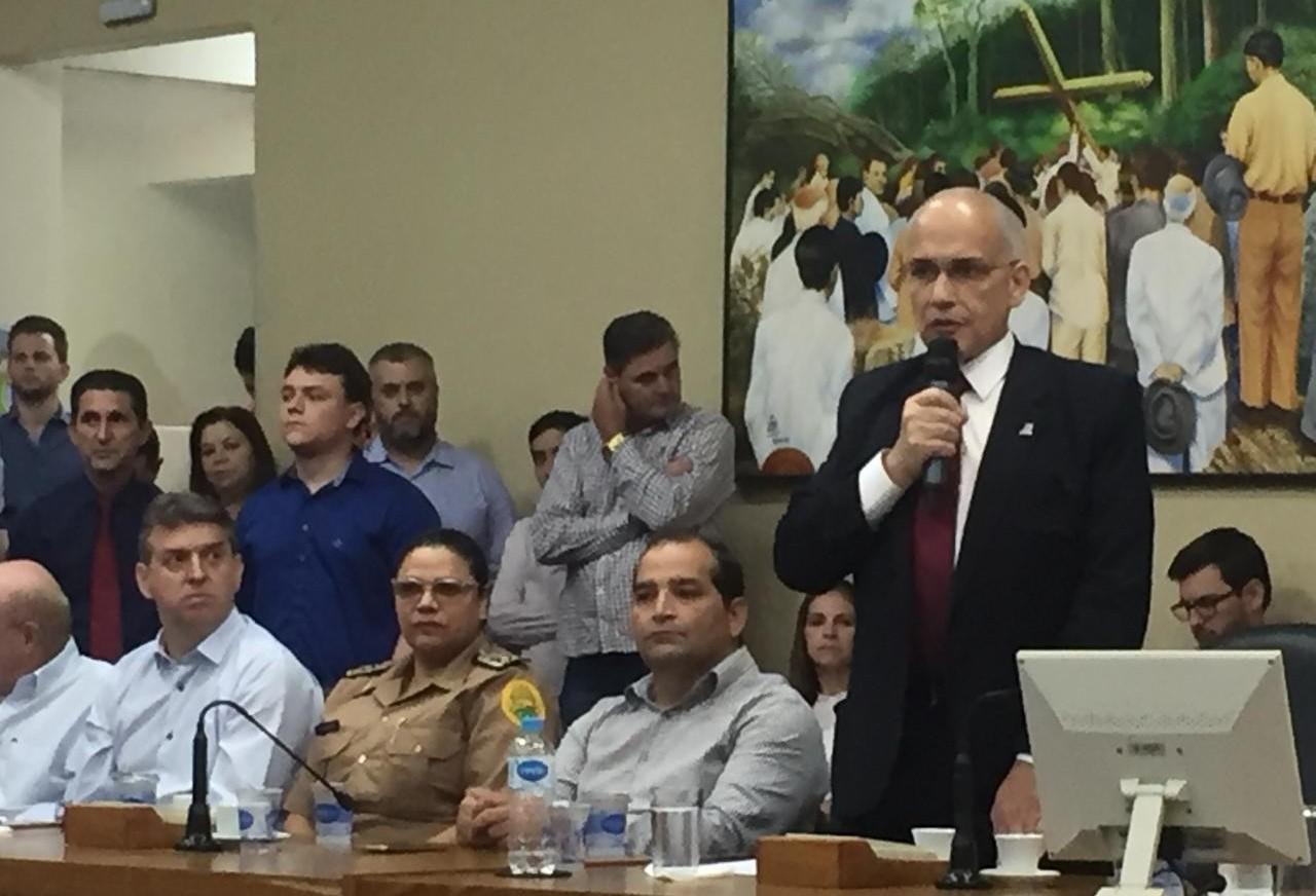 Em cerimônia na Câmara de Maringá, Antônio Carlos Nardi assume Secretaria de Saúde do Paraná