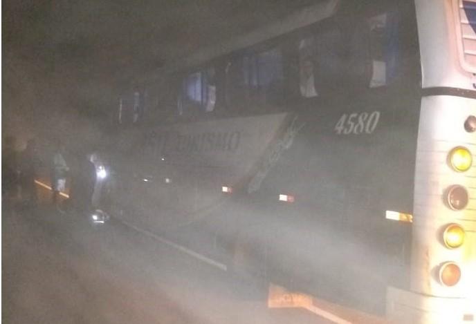 Ônibus de sacoleiros é assaltado na PR-317