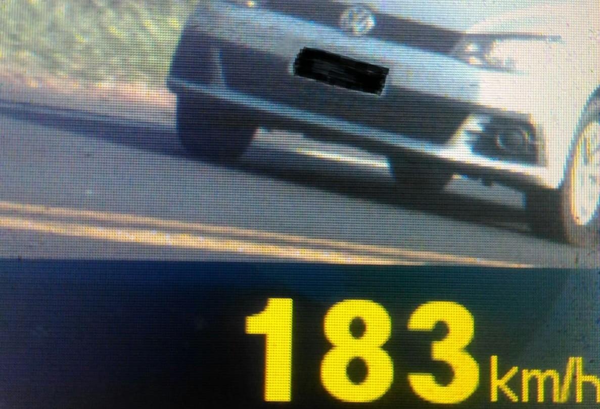 Carro é flagrado  por radar numa velocidade 66% maior que a permitida