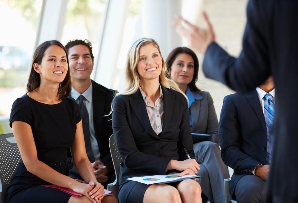 Assumir compromissos públicos de melhora ajuda no desempenho dentro de uma empresa
