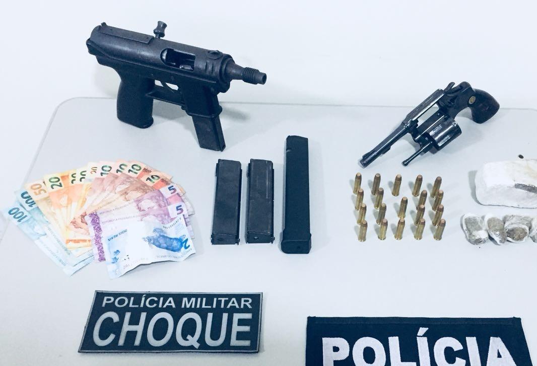 Operação contra o tráfico de drogas apreende submetralhadora