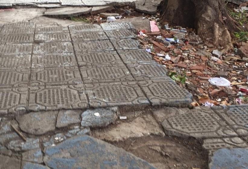 Projeto de lei que 'flexibiliza' calçadas é retirado de pauta
