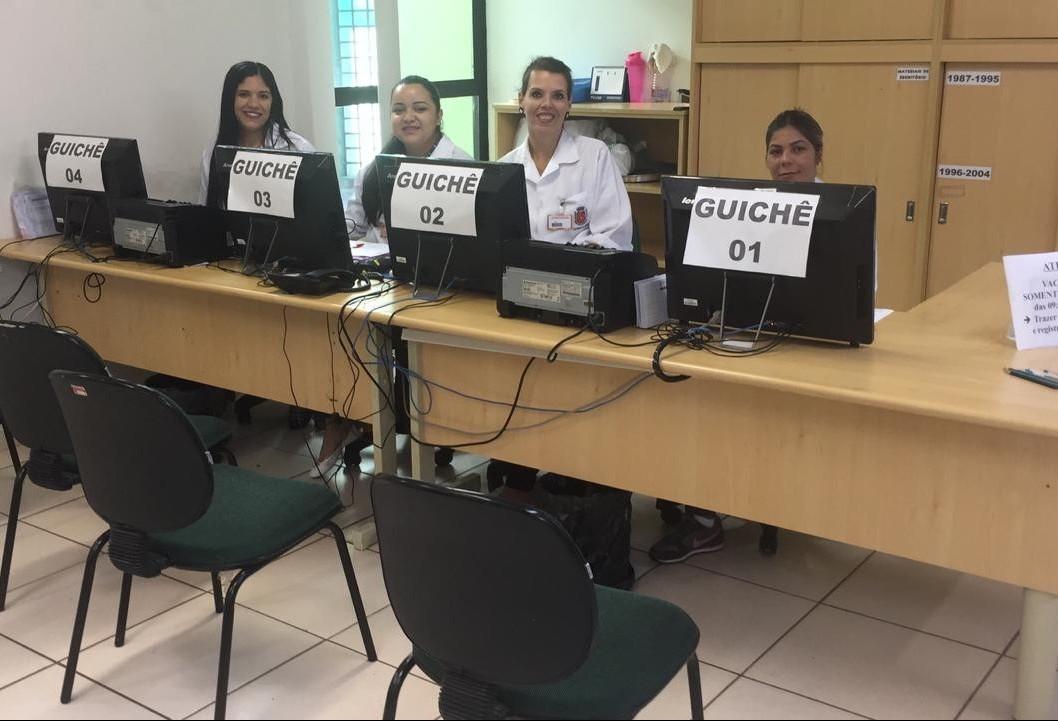 Dia D de vacinação contra dengue começa com unidades de saúde vazias