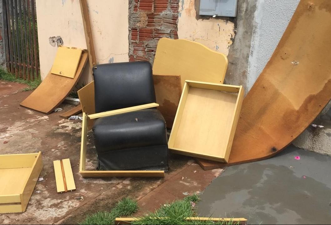 CBN flagra vários descartes irregulares de entulho no Jardim Alvorada