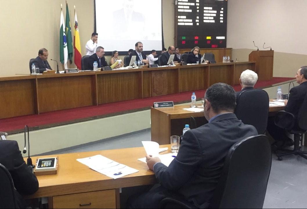Em sessão, vereadores lamentam mortes nos últimos dias em Maringá