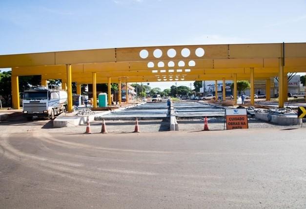 Com pelo menos seis meses de atraso, dois terminais devem começar a funcionar no dia 18 deste mês em Maringá