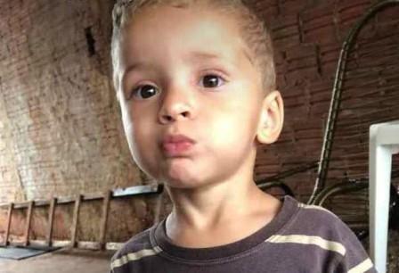 Criança que levou choque elétrico em Paiçandu ao sair do banho morre