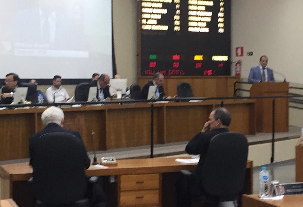 Emendas causam polêmica e atrasam votação de projeto