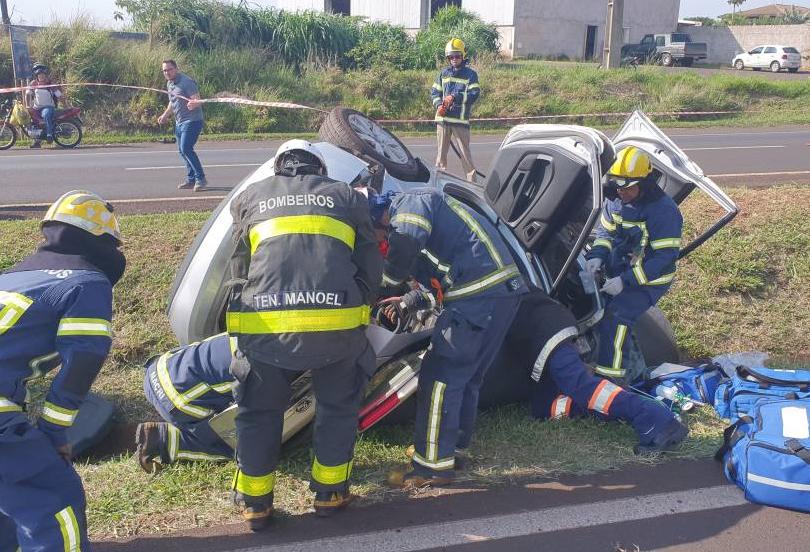 Cinco pessoas ficam feridas em acidente na BR-376