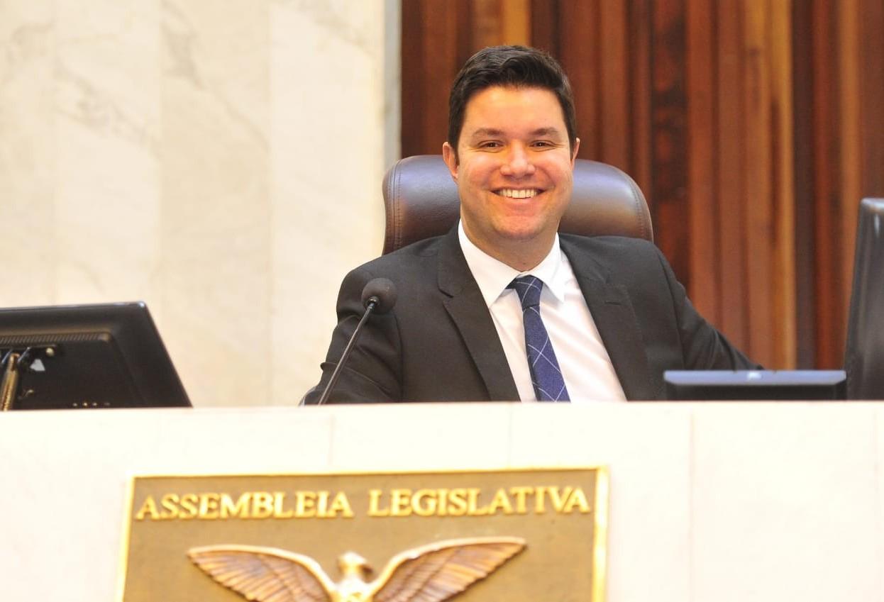 Deputado Guto Silva será chefe da Casa Civil