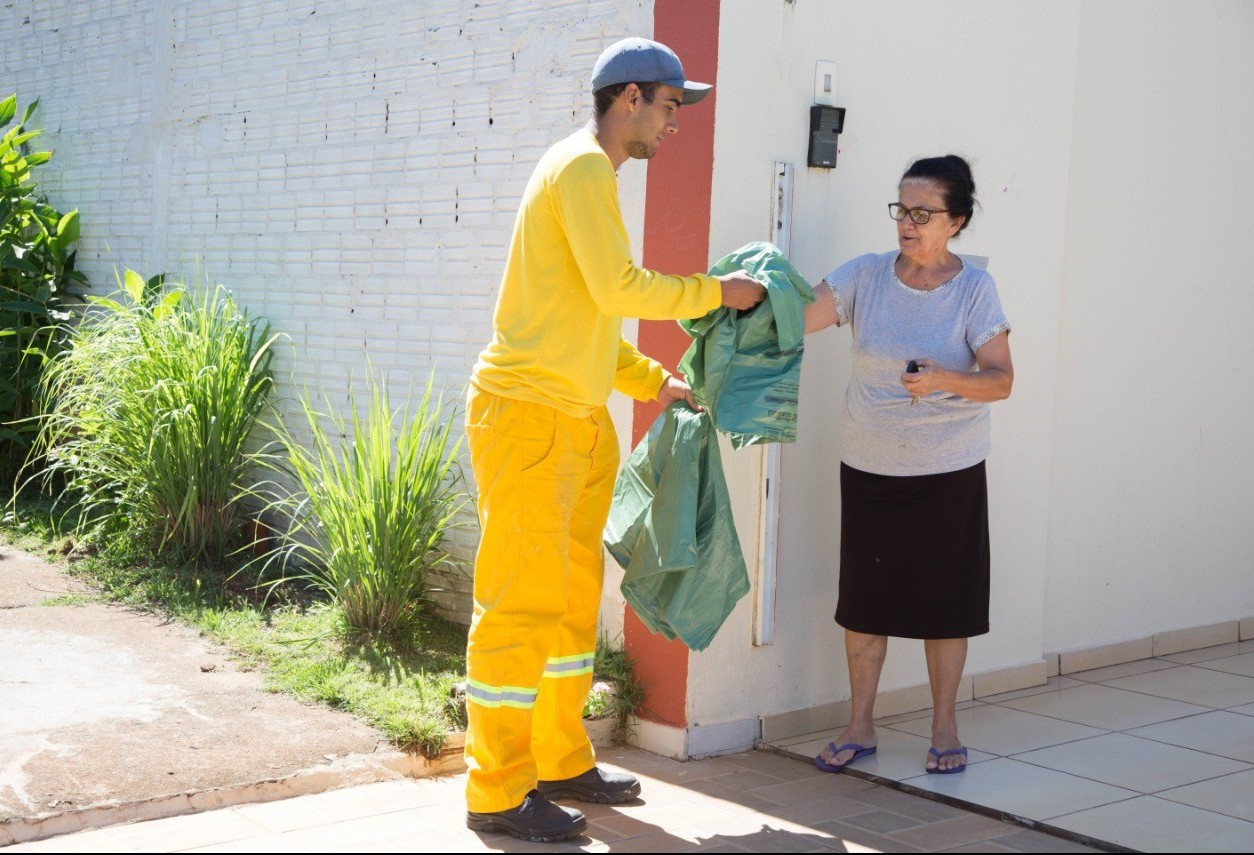 Maringá está sem sacos para coleta de materiais recicláveis