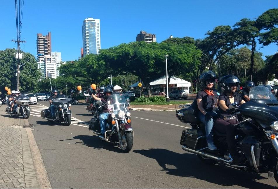 Amor pela motocicleta reúne 600 pessoas em Maringá