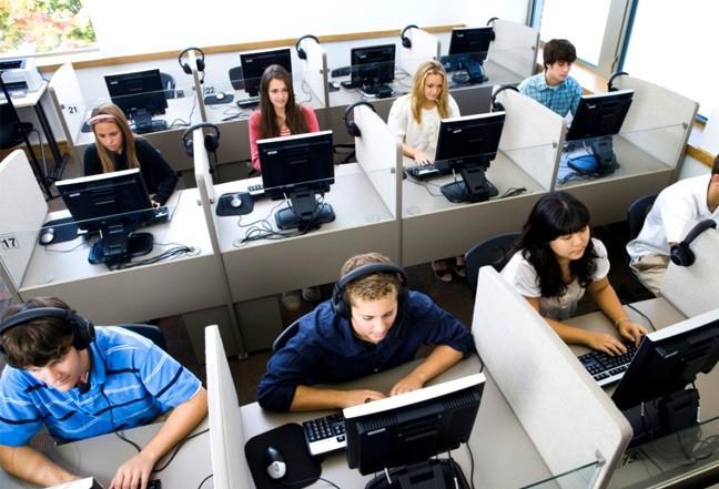 Empresa de call center ainda não se instalou em Maringá após um ano