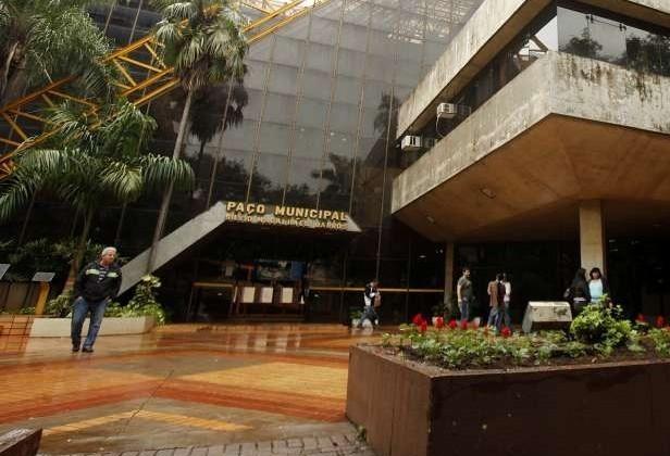 Empresa que pediu para romper contrato lidera licitação em Maringá
