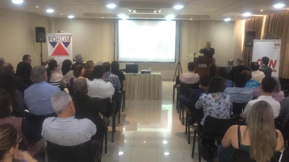 Especialistas debatem nova legislação trabalhista em Maringá