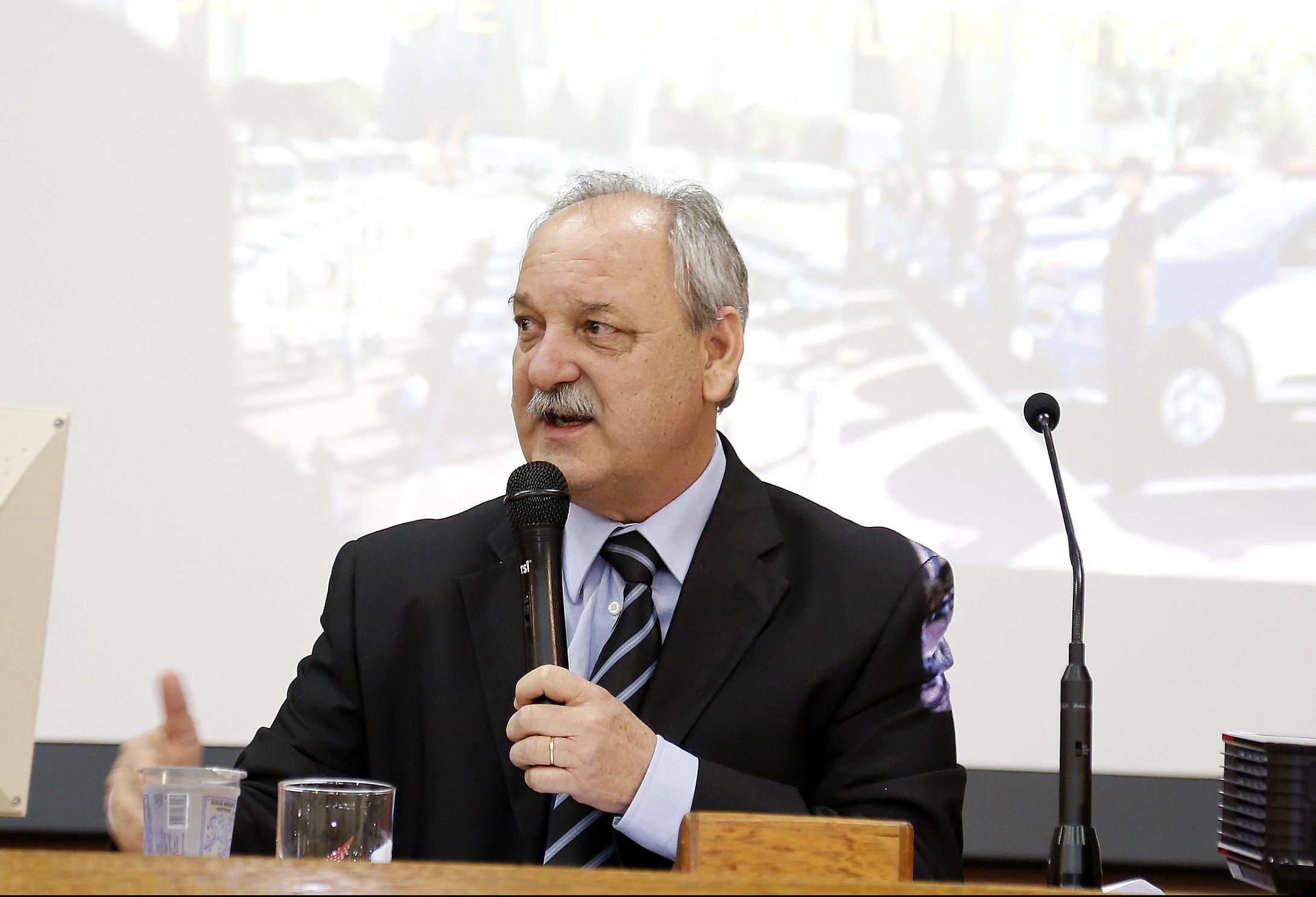 """""""Nosso trabalho será com planejamento e transparência"""", diz novo secretário da Fazenda do Paraná"""