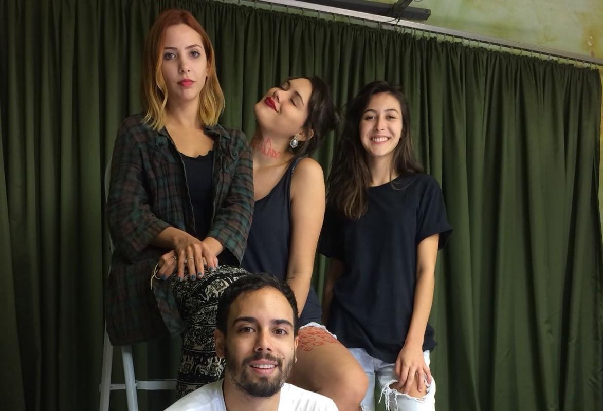 """""""Oficina de Criação Poética"""" quer apresentar a poesia como algo simples em Maringá"""