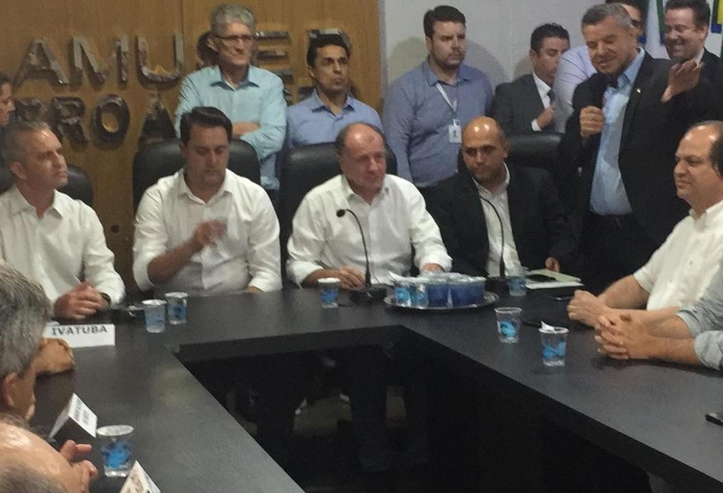Governador libera recursos para municípios da Amusep